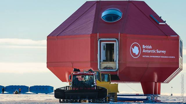Image: British Antarctic Survey, Michal Krzysztofowicz. Halley VI Big Red moving to site VIa