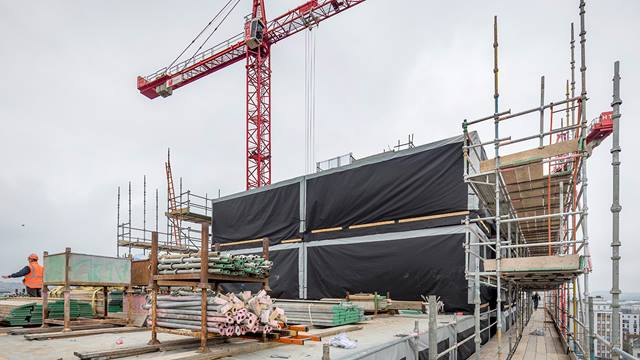In just nine weeks, 360 modular steel blocks were installed on the highly constrained site