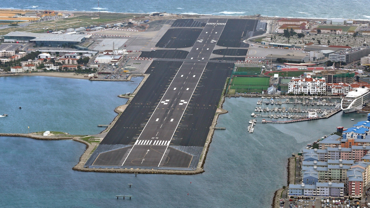 Gibraltar Airport - Ramboll designed a runway refurbishment