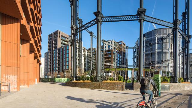 Daniel Shearing. King's Cross Central Development.  Left:Tapestry Building. Centre background:Plimsoll Building