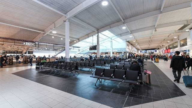Seating area at London Luton Airport opened in 2018. (c)LLA