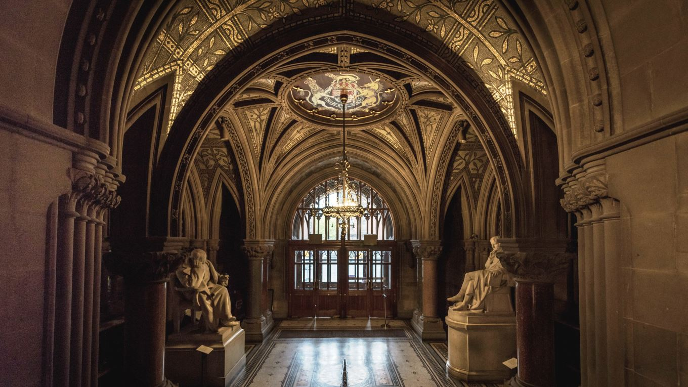 Ramboll. Manchester Town Hall Entrance. Image: Courtesy of Manchester City Council