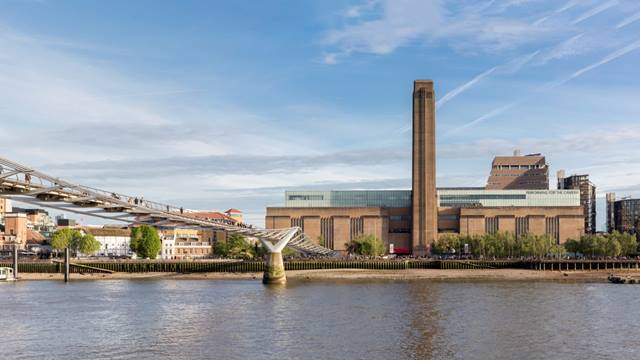 Daniel Shearing. Tate Modern on the site of the former Bankside Power Station