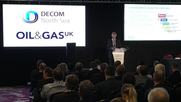William Brook-Hart speaking at the Offshore Decommissioning conference 15 Nov 2016. Ramboll