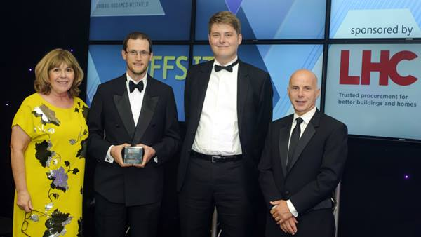 Ramboll's Gavin White and Gustaf Granstrom collecting the Offsite Champion Award at SECBE