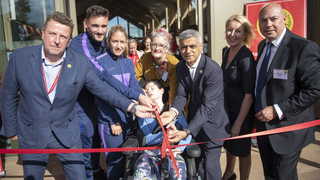 The Ark is officially opened by members of the Noah's Ark community, Mayor of London, Sadiq Khan, and representatives from Tottenham Hotspur Football Club © GLA - Caroline Teo