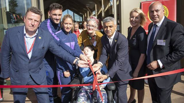 The Ark is officially opened by members of the Noah's Ark community, Mayor of London, Sadiq Khan, and representatives from Tottenham Hotspur Football Club, including captains Hugo Lloris and Jenna Schillaci © GLA - Caroline Teo